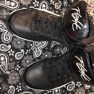 Flight shoe